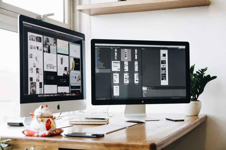 apple computer desk devices