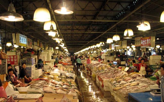 seoul market.jpg